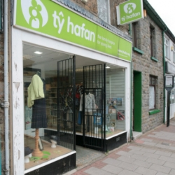 Ty Hafan Shop, Treorchy